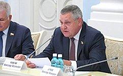 Сенаторы обсудили нормативно-правовое регулирование всфере социального обеспечения работников предприятий ОПК– А.Ракитин