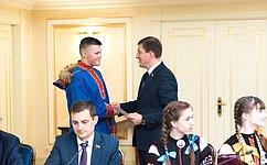 А. Турчак наградил победителей Международного культурно-образовательного проекта «Таланты Арктики. Дети»