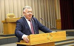В. Николаев: Сбережение здоровья населения– важная задача государственной политики