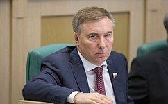 А. Варфоломеев обсудил вБурятии вопросы строительства новой сельской школы вИволгинском районе