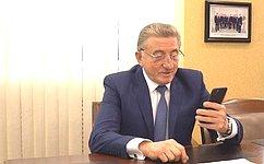С. Лукин передал ветеранам Великой Отечественной войны памятные подарки