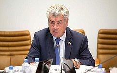 В. Бондарев пообещал помочь врешении проблем юнармии вКировской области