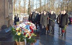 С.Фабричный поздравил ветеранов Великого Новгорода сгодовщиной освобождения города отнемецко-фашистских захватчиков