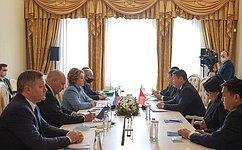Председатель Совета Федерации В.Матвиенко провела переговоры сПредседателем Жогорку Кенеша Киргизии Т.Мамытовым
