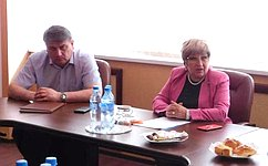 Сенатор Ольга Хохлова провела встречу смногодетными семьями вСуздале