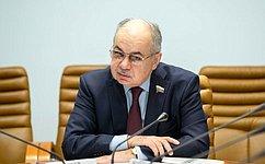 И. Умаханов провел совещание, посвященное подготовке российских мусульман кхаджу 2019года
