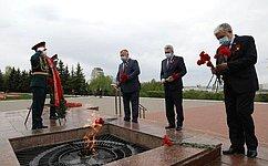 Время бессильно ослабить память онеизменной стойкости имужестве нашего народа– Вадим Николаев
