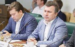 В. Васильев: Необходимо наводить порядок нарынке управления жилым фондом
