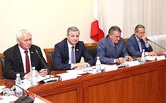 Ю.Воробьев иН.Тихомиров обсудили смолодежью Вологодской области перспективы развития региона
