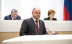 Установлена возможность перераспределения полномочий между местными ирегиональными органами власти всвободном порту Владивосток