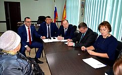 В. Лаптев обсудил сжителями Новосибирской области вопросы благоустройства придомовых территорий