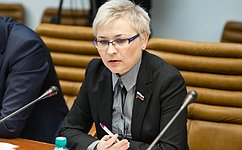 Л.Бокова: Вопрос оплаты труда педагогов, работающих синвалидами, требует особого внимания