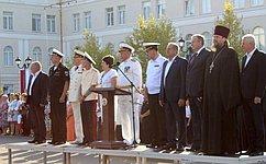 Счастливого Вам плавания Севастопольские– нахимовцы!