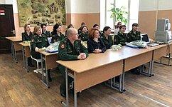 Военные медики счестью выполняют свой долг— Н.Болтенко