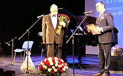 Николай Федоров посетил новогодний вечер русского романса втеатральном центре «НаСтрастном»