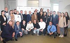 С.Березкин иА.Карелин встретились спредставителями молодежных объединений Ярославской области