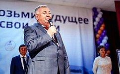В. Николаев встретился спервокурсниками Чебоксарского кооперативного института