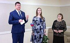 ВСовете Федерации открылась выставка гобеленов Н.Озерной «Времен связующая нить»