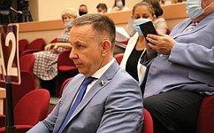 О. Алексеев: Важно, что вцентре внимания власти всех уровней остается человек исферы его жизни