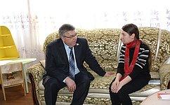 В.Рязанский посетил центр психолого-педагогической помощи семьям сдетьми вКурске