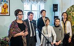 Е. Лахова открыла выставку картин юных художников Крыма «Мир русской сказки»