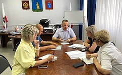 Граждане положительно оценили придомовые пункты для голосования попоправкам вКонституцию РФ– О.Алексеев