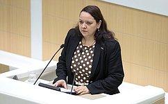 Гражданам РФ, работающим зарубежом, будет обеспечена возможность выплаты заработной платы виностранной валюте