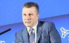 В.Васильев: Наша задача создать стимулы для применения современных технологий при строительстве дорог