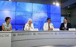 О. Ковитиди: Вынужденных переселенцев сЮго-Востока Украины принимают порядка пятидесяти регионов России