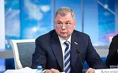 А.Артамонов: Методика распределения бюджетных средств нагорячее питание школьников будет учитывать пожелания регионов