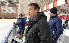 Э. Исаков обсудил вопросы развития следж-хоккея встране иучастия сборной команды России вчемпионате мира