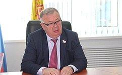 Входе приема граждан В.Николаев уделил особое внимание аграрной тематике