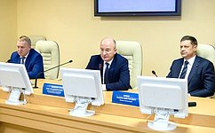 О. Цепкин обсудил состудентами вопросы защиты экологии иразвития промышленности