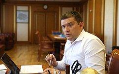 Н. Журавлев: Необходимо максимально защитить интересы граждан нафондовом рынке