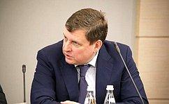 А.Епишин пожелал кимрским выпускникам небояться трудностей истать настоящими профессионалами