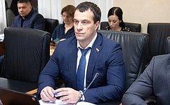 Э. Исаков: Безопасность образовательного процесса– одна изприоритетных задач для Югры