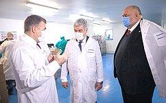 В. Бондарев иС. Аренин входе посещения фармпредприятия вСаранске обсудили вопросы обеспечения лекарственной безопасности страны