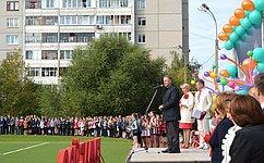 А. Волков принял участие вцеремонии открытия стадиона вУдмуртии ипосетил восстановленный храм