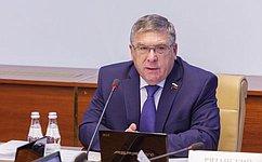 Приёмные семьи должны находиться под постоянным контролем состороны государства— В.Рязанский