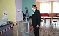 Н. Журавлев принял участие вголосовании попоправкам вКонституцию РФ