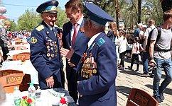 А.Шевченко принял участие вторжественном параде вчесть Дня Победы вОренбурге