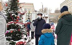 Сергей Березкин поздравил детей снаступающим Новым годом