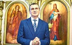 Н. Федоров посетил храм Успения Пресвятой Богородицы вЧебоксарском районе Чувашии