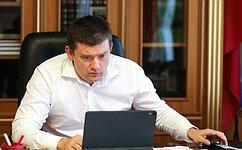 Н. Журавлев провел совещание повопросу реализации закона окредитных каникулах