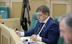 А.Салпагаров выступил перед Парламентом Карачаево-Черкесской Республики сотчетом обитогах работы в2016году