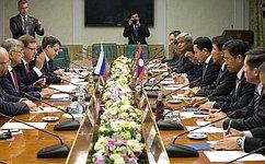 Делегации парламентов России иЛаоса традиционно сотрудничают наразных межпарламентских площадках— К.Косачев