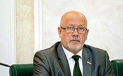 А.Соболев выступил нагородском педагогическом совете вСевастополе