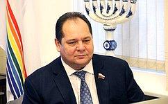 Президент РФ поручил расширить меры поддержки российских семей– Р.Гольдштейн