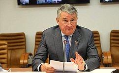 Ю. Воробьев провел заседание Дискуссионного клуба Молодежного парламента Вологодской области