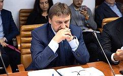 В. Лебедев принял участие взаседании межфракционной рабочей группы посовершенствованию правового регулирования вобласти охоты исохранения охотничьих ресурсов вГосударственной Думе